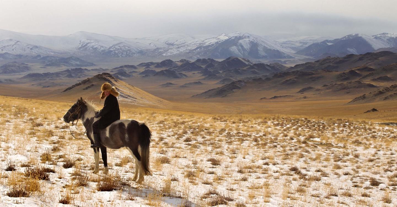 The Eagle Huntress backdrop 1