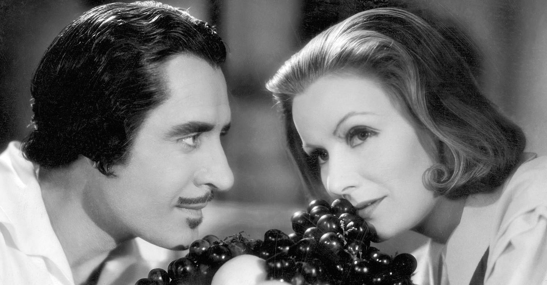 Risultati immagini per la regina cristina film 1933