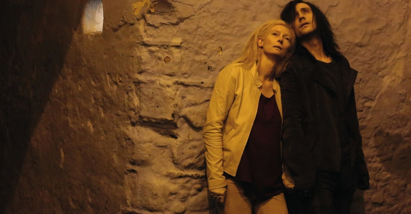 Only Lovers Left Alive backdrop 1