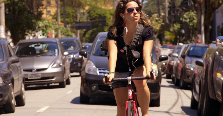 Bikes vs Carros backdrop 1
